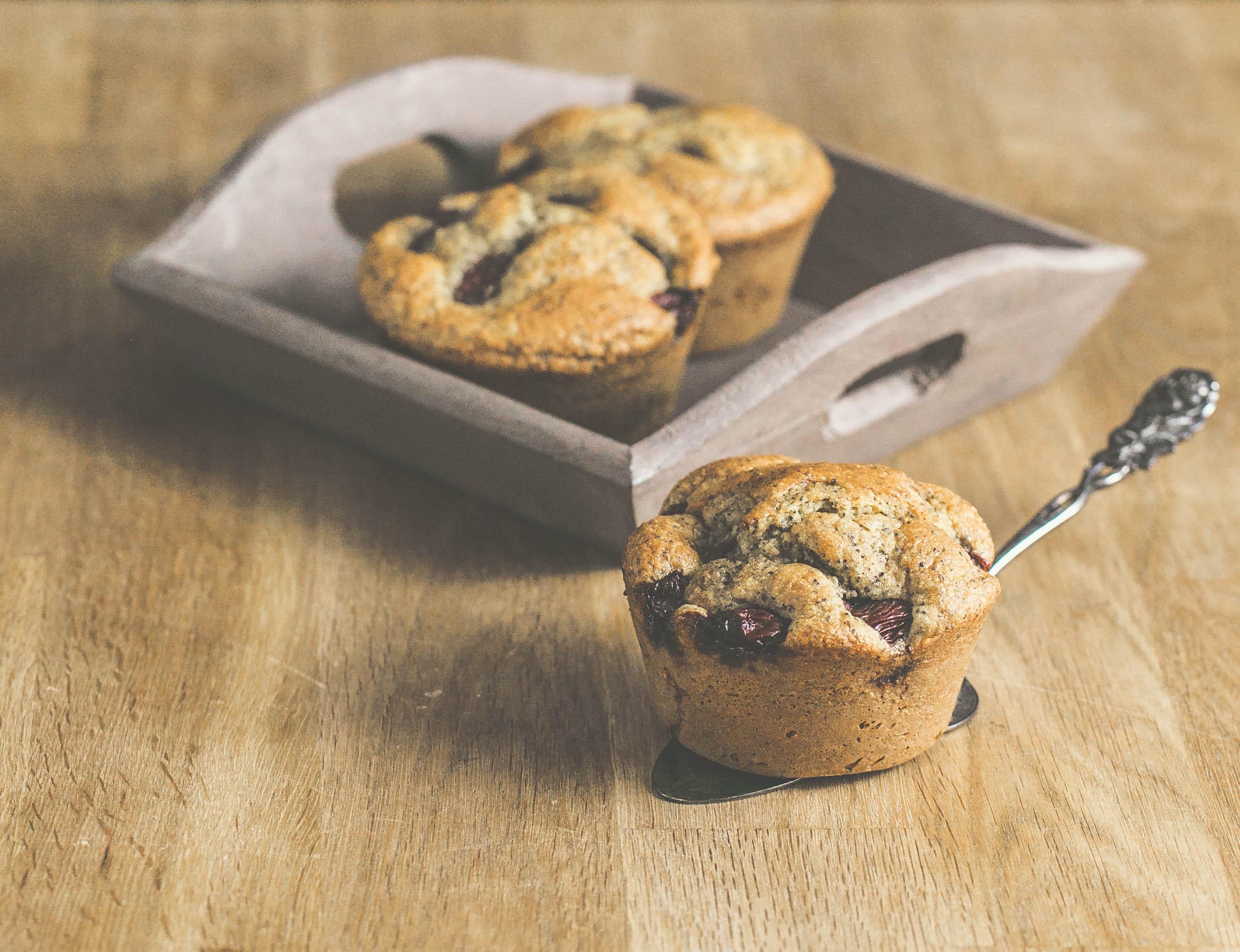 Grieß-Kirsch-Muffins mit Frischkäse